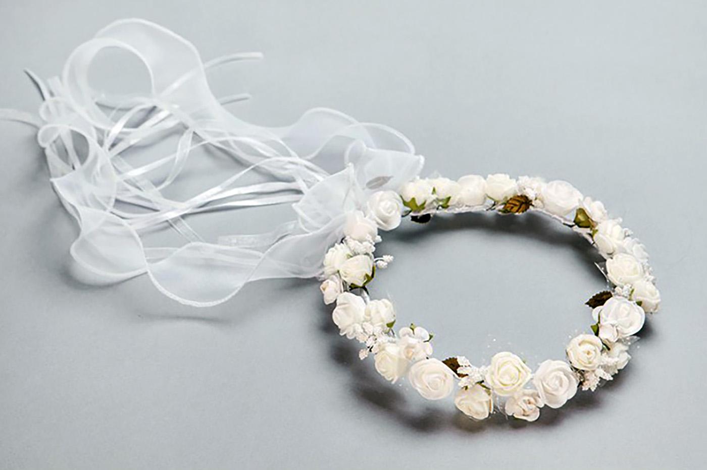wianek-gruby-ze-smietankowymi-kwiatkami-z-zielenia-103-cena-70z
